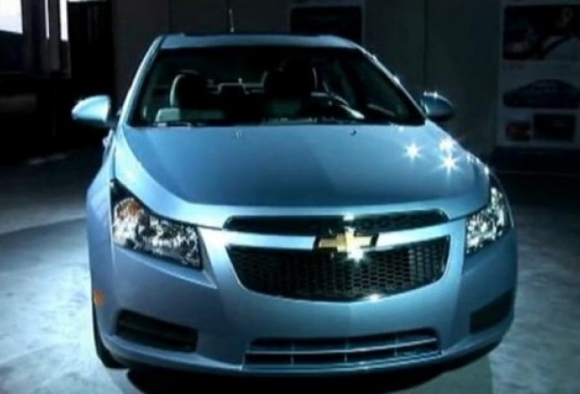 VIDEO: Noile modele Chevrolet Cruze Eco si RS prezentate in detaliu
