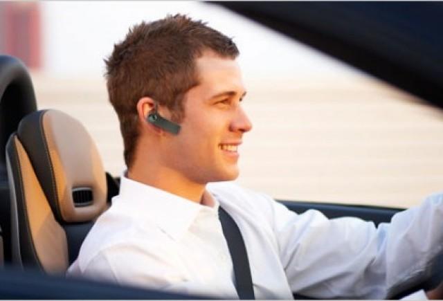 Folosirea in siguranta a telefonului mobil in timp ce conduceti