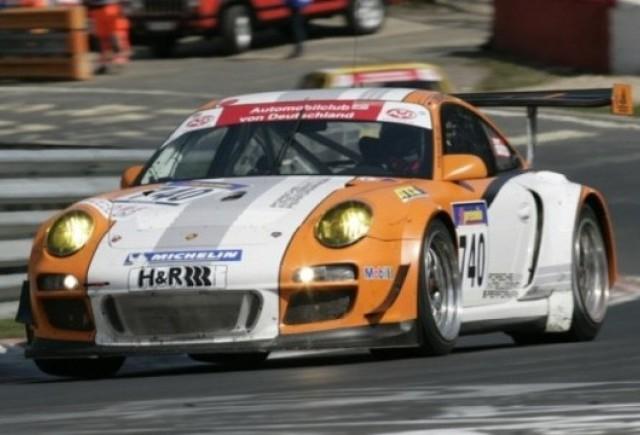 Porsche 911 GT3 Hibrid urca pe podium la Nurburgring