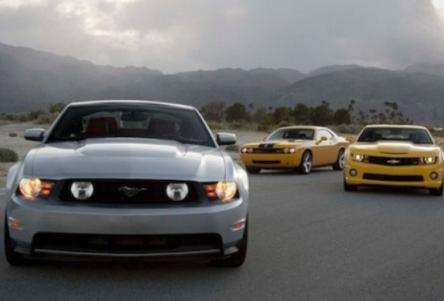 VIDEO: Mustang vs Camaro vs Challenger