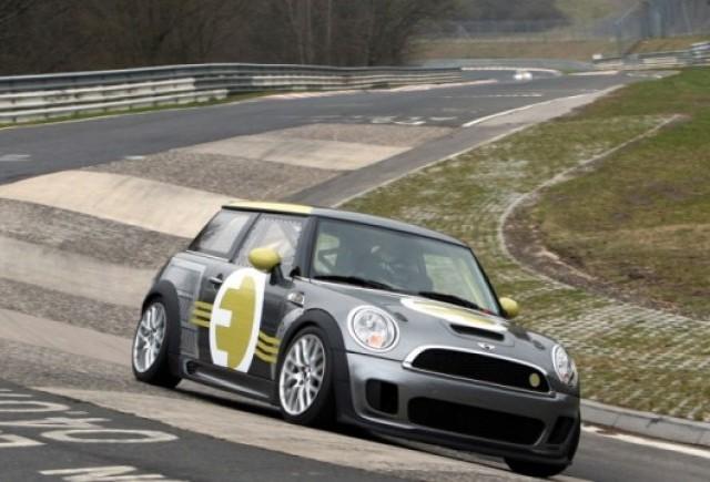 VIDEO: Mini E pe circuitul de la Nurburgring