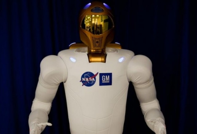 NASA si GM au creat un robot umanoid pentru misiunile spatiale