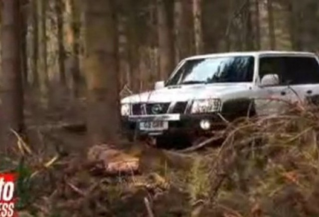 VIDEO: Land Rover Defender vs Nissan Patrol