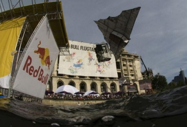 Concurs Red Bull Flugtag la Bucuresti