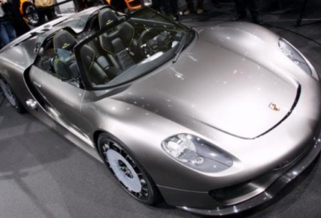 Mai mult de 900 de clienti doresc noul Porsche 918 Spyder