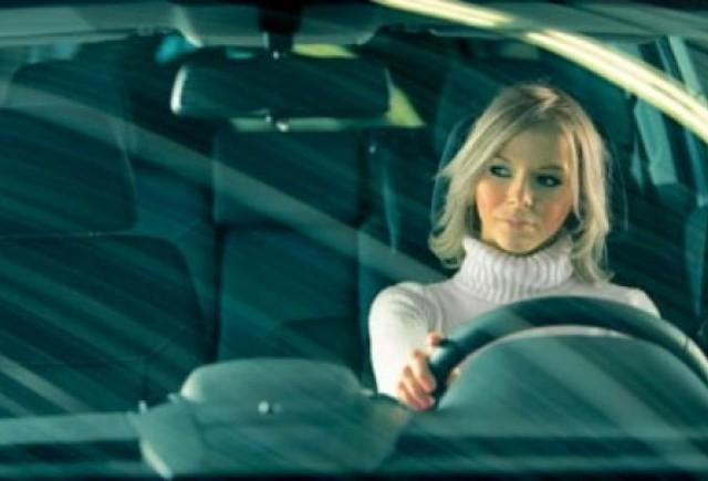 Studiu: Femeile isi iubesc masinile mai mult decat barbatii