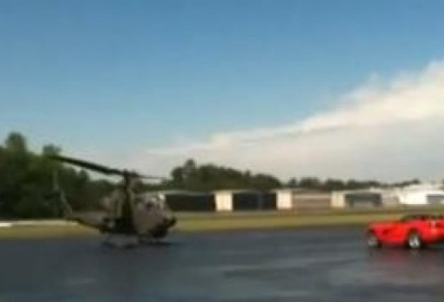 VIDEO: Dodge Viper se intrece cu un elicopter Cobra