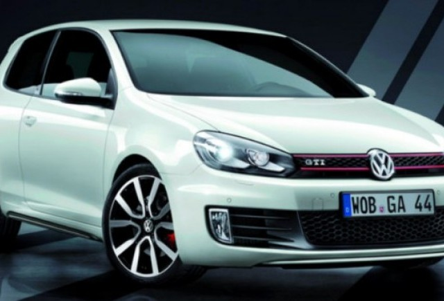 Volkswagen va lansa doua editii limitate ale modelului Golf GTI