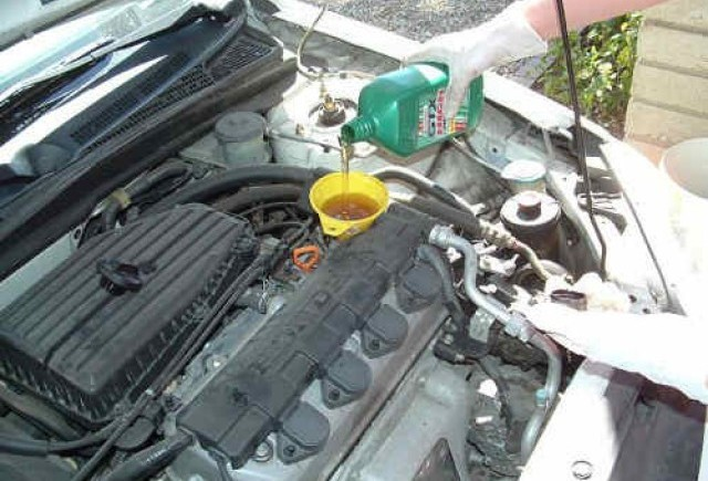 Densitatea si vascozitatea uleiului auto