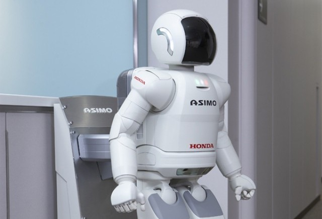 Galerie Foto: Honda prezinta robotul Asimo in Romania
