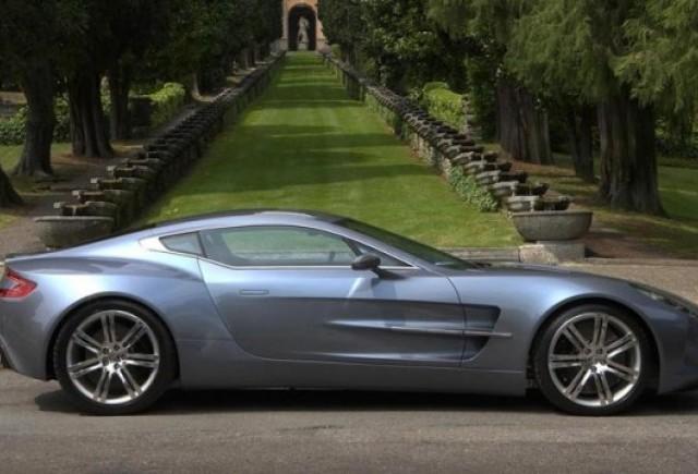 Un client misterios a cumparat 10 Aston Martin One-77