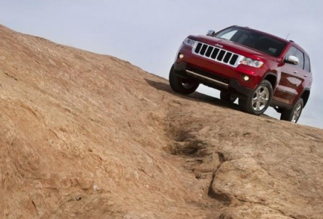 Noi imagini cu Jeep Grand Cherokee