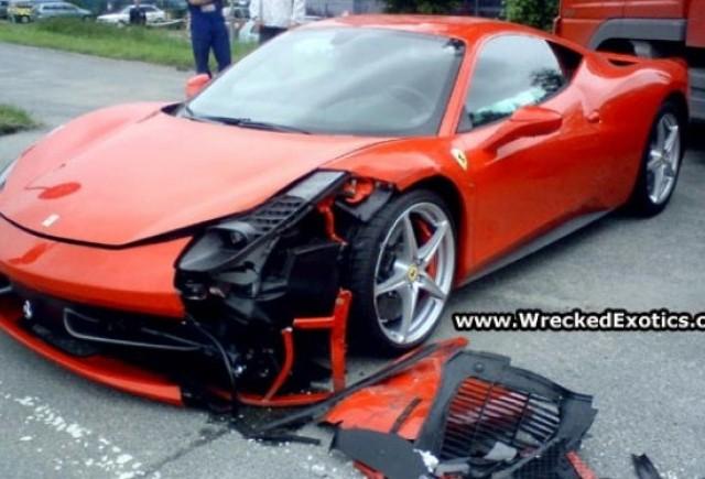 Primul accident cu Ferrari 458 Italia