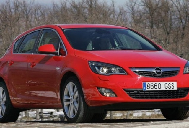 Comenzile la Opel Astra au depasit 150.000 unitati