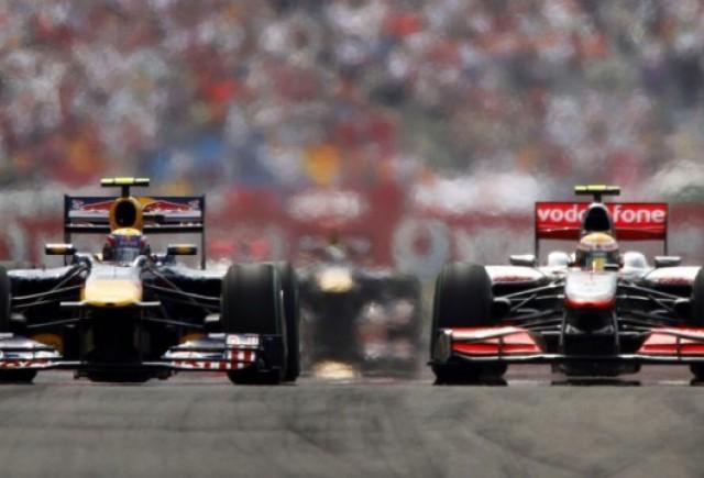 Spectacol total in Turcia: Hamilton castiga, Vettel il acroseaza pe Webber