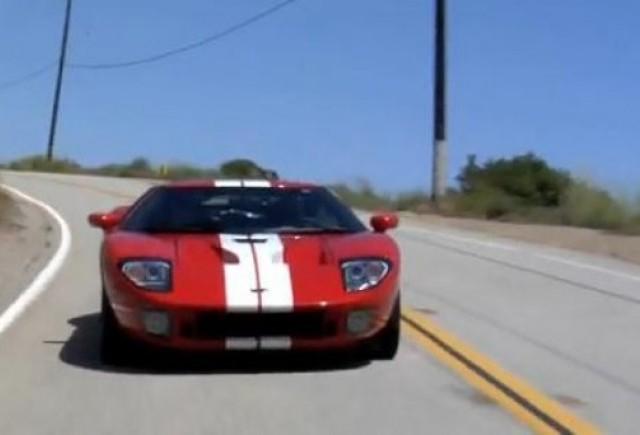 VIDEO: Reuniune de clasa la Malibu: Ferrari GT40 si Ferrari 250 GTO