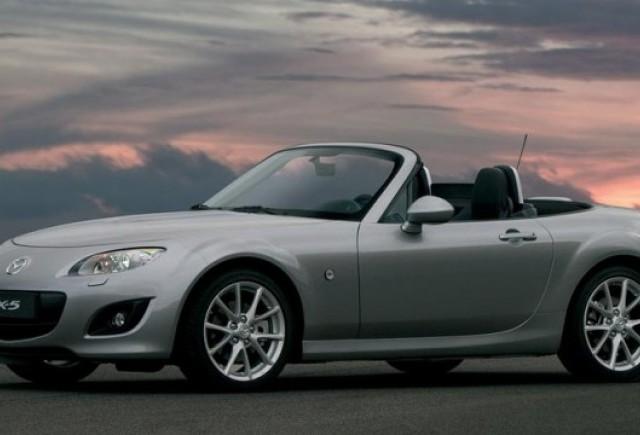 Mazda MX-5, cea mai buna masina sport in 2010