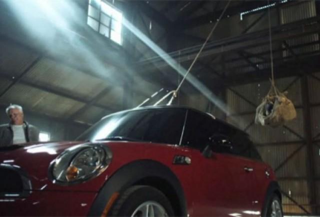VIDEO: Razboiul Mini vs Porsche continua