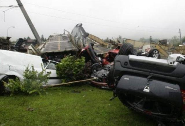 Un tren incarcat cu peste 200 de automobile Dacia a deraiat in Austria