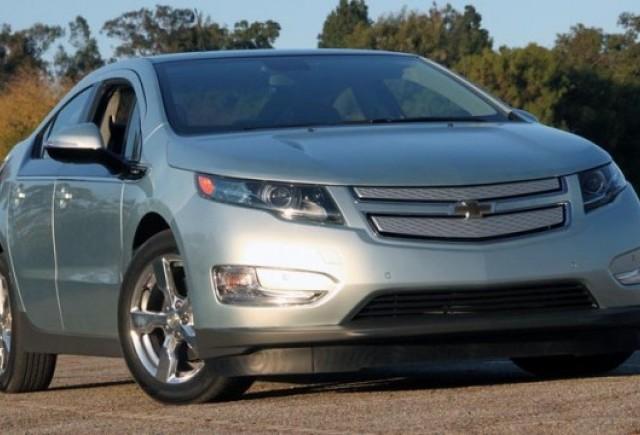 Primii 4.400 clienti ai lui Chevrolet Volt vor primi statii de reincarcare la domiciliu