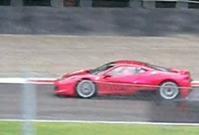VIDEO: Ferrari 458 Italia Challenge, in teste la Monza