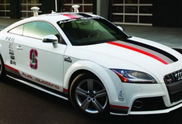 VIDEO: Audi testeaza modelul TTS Pikes Peak fara sofer