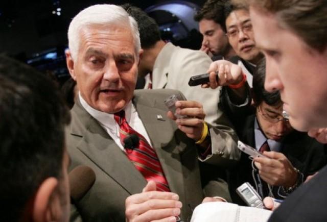 Lotus vrea sa-i angajeze pe fostii sefi GM si Rolls-Royce