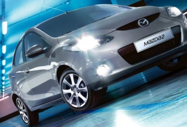 Mazda lanseaza editiile aniversare Mazda2 si Mazda3