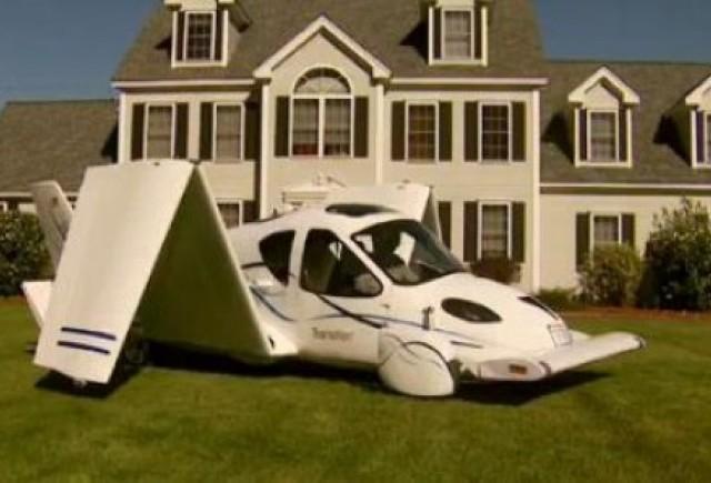VIDEO: Masina zburatoare in actiune