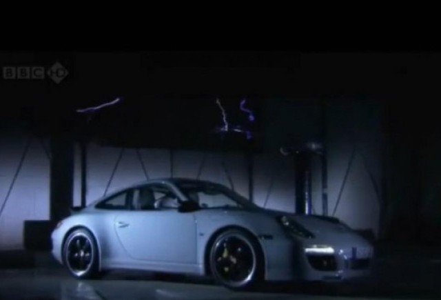VIDEO: Top Gear testeaza Porsche 911 Sport Classic vs Boxter Spyder