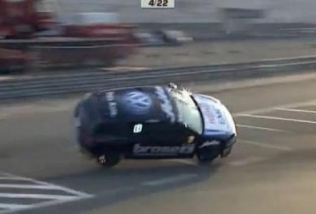 VIDEO: Accident spectaculos cu un VW Scirocco R