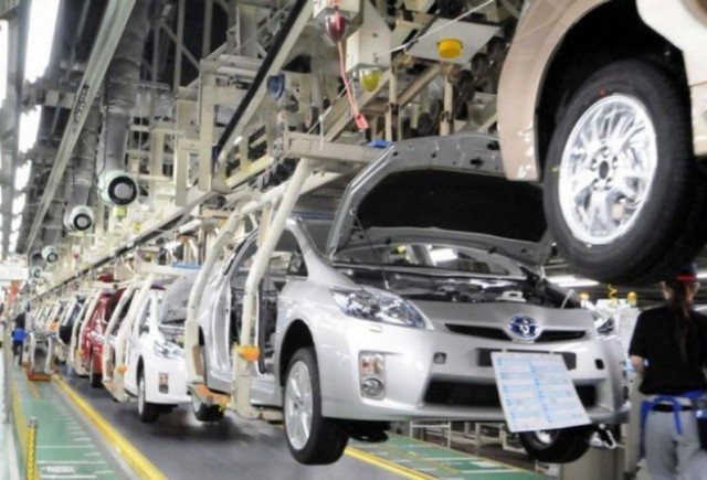 Toyota reduce productia