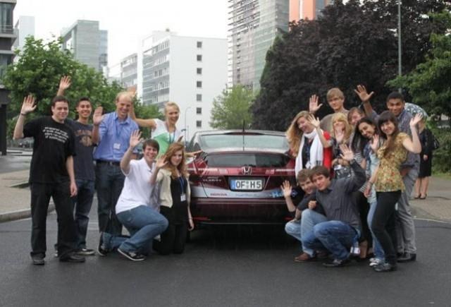 Honda FCX in demonstratie la Sesiunea Internationala a Parlamentului European al Tinerilor