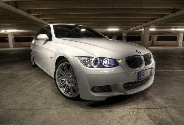 Detalii tehnice despre BMW 323