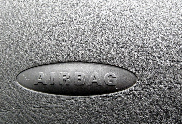 Airbag-uri defecte la 134 mii de Infiniti