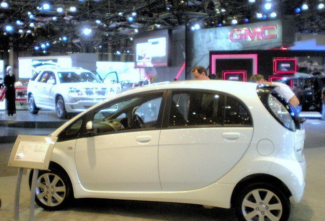 Achizitia automobilelor electrice este facilitata in Franta
