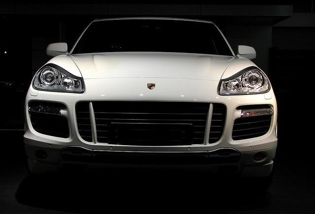 Dupa Porsche 911 GT3 R Hybrid vine si noul Cayenne