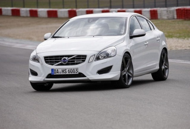 VIDEO: Heico Sportiv imbunatateste Volvo S60