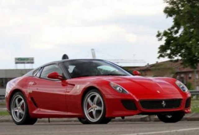 Ferrari a prezentat in secret 599 Roadster