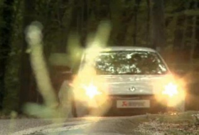 VIDEO: Renault Clio RS cu evacuare Akrapovic
