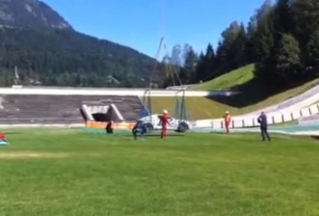 VIDEO: Un Audi misterios, spionat in timpul catararii pe o trambulina de schi