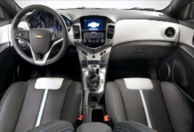 Iata interiorul noului Chevrolet Cruze hatchback!