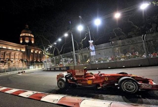 Fernando Alonso castiga Grand Prix-ul din Singapore!