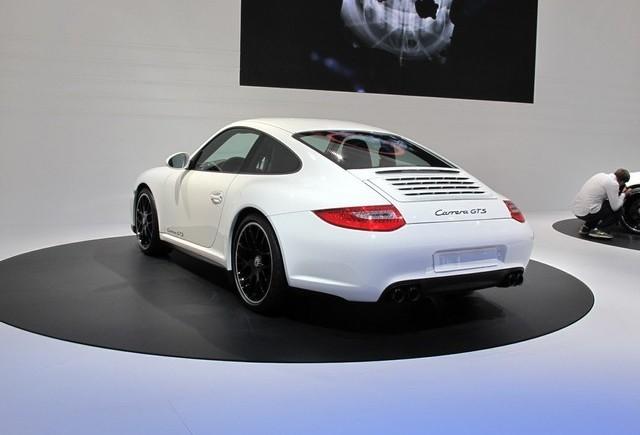 PARIS LIVE: Standul Porsche