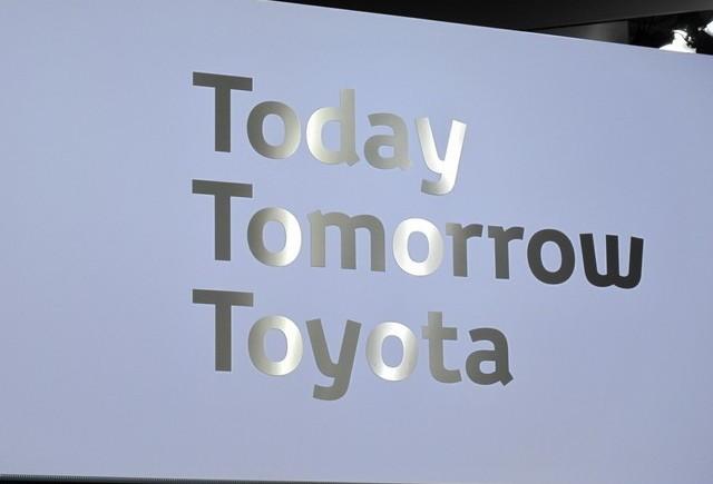 PARIS LIVE : Standul Toyota