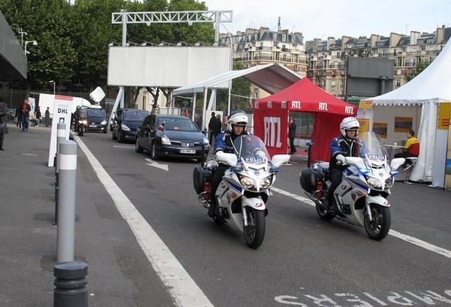 Sarkozy la Salonul Auto de la Paris