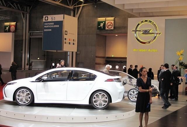 PARIS LIVE: Standul Opel