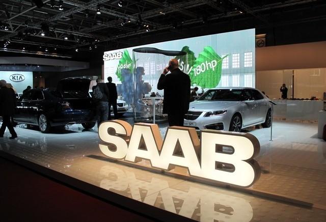 PARIS LIVE: Standul Saab