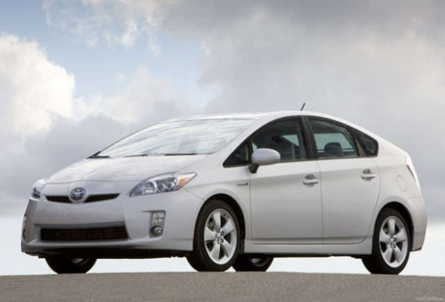 Toyota Prius a ajuns la 2 milioane de unitati vandute
