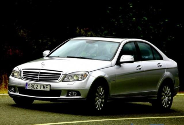 Recall de 85.000 unitati la Mercedes